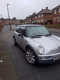 Mini cooper 2003 1.6 ( offers welcome )