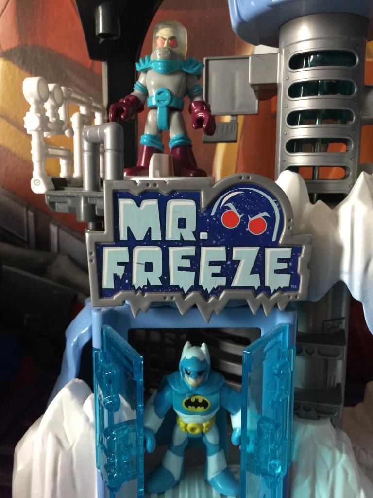 Imaginext Mr Freeze lair