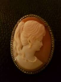 Large oval cameo Brooch