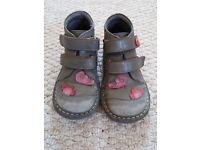 Girls shoes bundle size 8,5 / 26