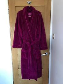 Ladies dressing gown (size large)