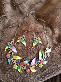 Various costume jewellery sets