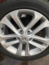 Alloys Wheels Nissan Juke 215/55/17 Bridgestone Turanza