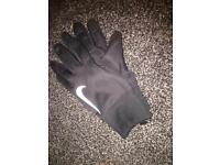 Nike tech touchscreen gloves