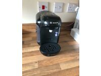 Tassimo Coffee Machine- excellent condition with Free coffee pods holder