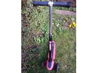 Y-GLYDER XL SCOOTER BLACK/RED BY Y-VOLUTION IN GOOD CONDITION