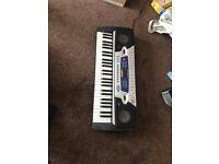 Gear4Music MK-2000 Electronic Keyboard Piano