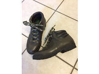 Ladies's Eastfield Walking Boots Size 4.