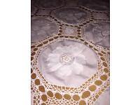 Cotton and crochet table cover and napkins