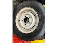 Land Rover tyres & rims