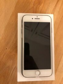 Apple Iphone 7 - 32GB - Silver - UNLOCKED