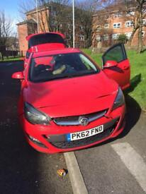Vauxhall Astra J 1.4 (2013 March) DAMAGED
