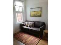 Double room in newly decorated shared house with large sunny garden