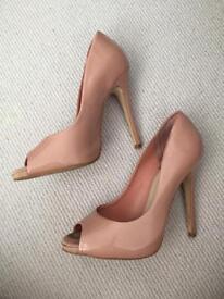 Size 6 pale pink patent court shoes- Kurt Geiger