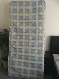 Single mattress's