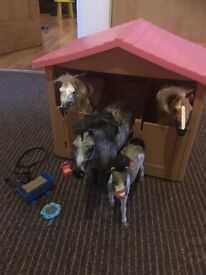 Horse / pony / stable playset