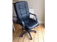 Good quality Black swivel Chair.