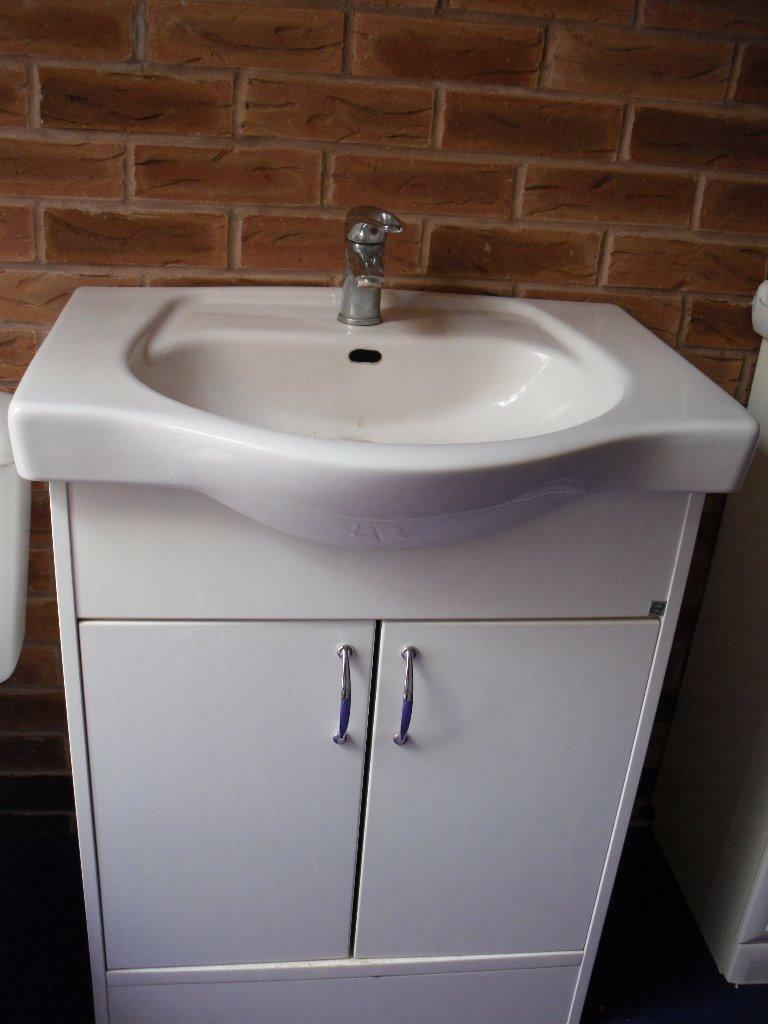 Small White Vanity Unit Buy Sale And Trade Ads Great Prices