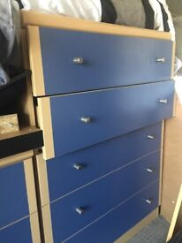 Chest of draws and matching bedside unit
