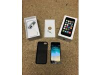 iPhone 5s 16gb Black, Unlocked and in Excellent Condition, Original Box, Case, Spare Screen Saver.
