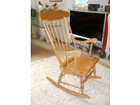 Stylish Rocking Chair in Solid Pine