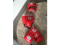 Winning boxing set including gloves head and groin guard