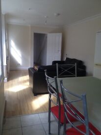 2 bedroom Grd Flr garden flat, good transport links to C London & close to local amenities