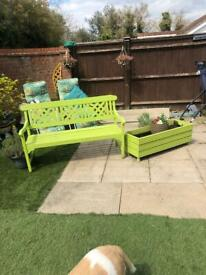 REALLY CUTE BENCH AND PLANTER SET