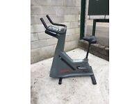 Life Fitness 9500HR Exercise Bike