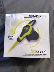 Bio sport earbuds with heart monitor