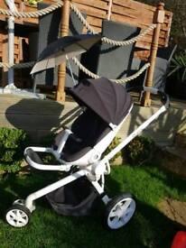 Quinny Moodd and Maxi-Cosi Pebble car seat with adaptors