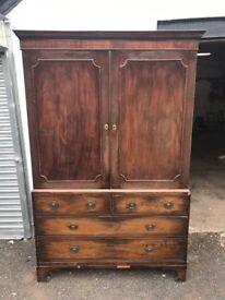 Georgian mahogany Linen press / wardrobe