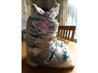 Tecnica Viva Demon Ski Boots mondo point 24/24.5 (UK 5.5)