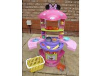 MINNIE MOUSE CHILDS PLAY KITCHEN