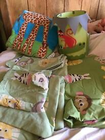 Gorgeous jungle animal bedding set corned size