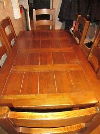 Solid Wood Extendable Dining Table with 6 chairs