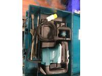 Makita hr4013c 40mm rotary hammer drill / breaker 110v