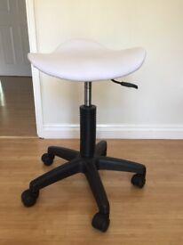 Swivel beauty stool