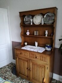 Oak Dresser Good Condition geniune reason for selling