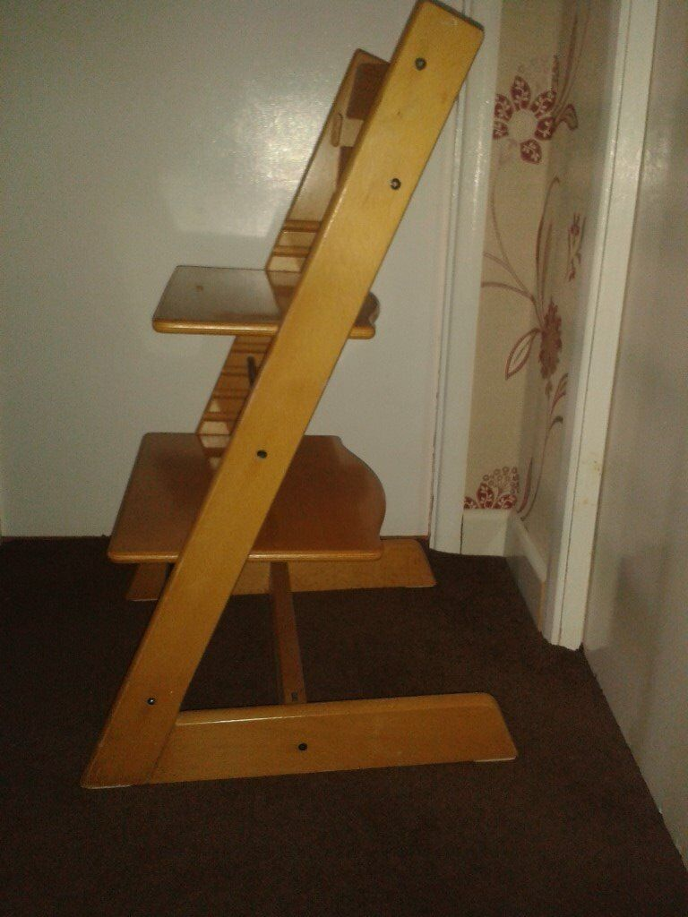 Adjustable height child's chair