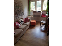 GAY HOUSE SHARE == SOCIABLE FRIENDLY HOUSE 2 KING SIZE VERY LARGE DOUBLE ROOM TO LET = NO BILLS-£600