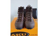 AKU combat boots size 9M /brown