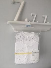 NEW M&S soft Cotton Long Sleeved Sleepsuits Babygrows White/Grey RRP £18 6-9 M