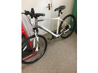 NEW Carrera Crossfire 3 Men's Hybrid Bike, 21inch frame. NEVER USED.