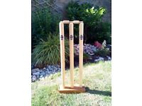 BRAND NEW GUNN & MOORE FULL SIZE 'PLAYGROUND' CRICKET STUMPS