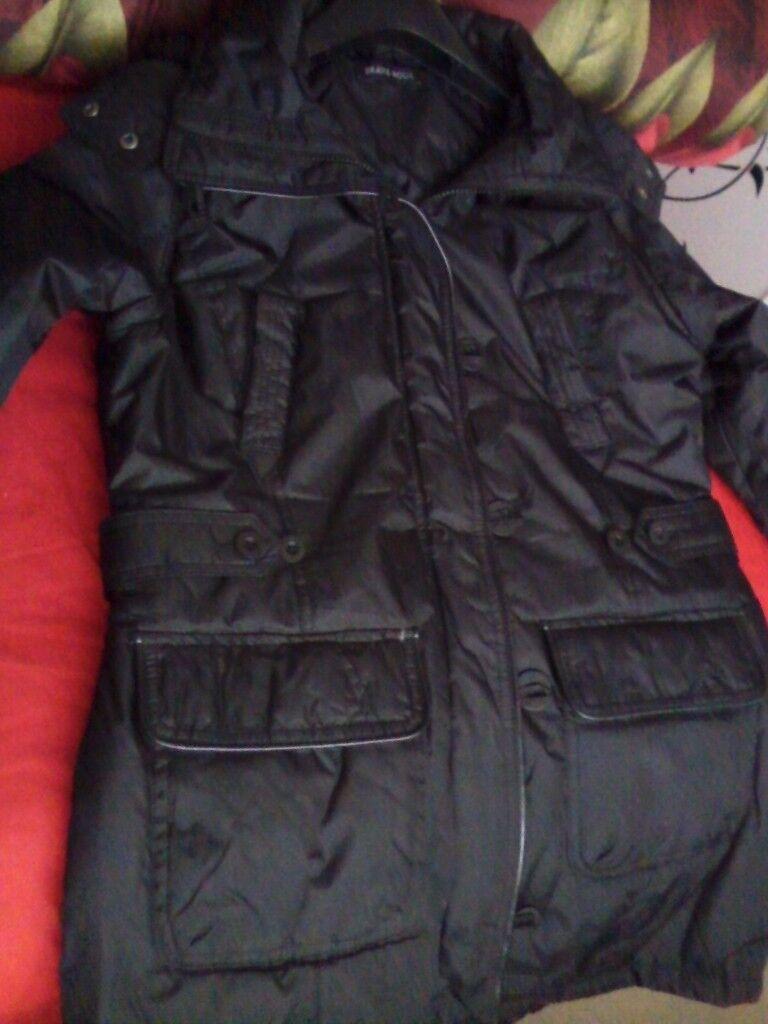 New black hooded parka coat, size small 14,