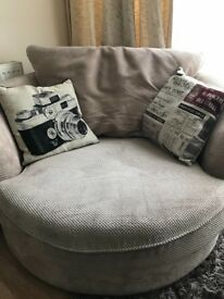 House of Fraser Love Seat/Snuggle Chair