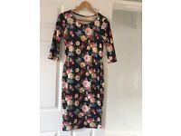 Floral velvet midi dress for sale!