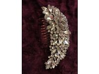Diamanté detailed hair comb