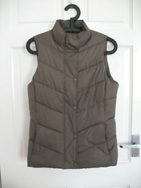 Brown gilet / body warmer by The Gap size 8 XS